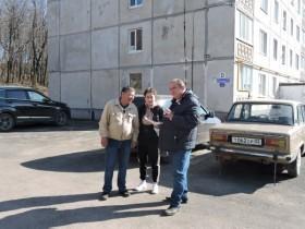 23 апреля 2019 года на территории с. Алкино-2  по ул. Центральная              д.5 и д.7,  совместно с главой сельского поселения Кульбаевым Р.С. и  депутатами  сельского поселения, закрепленными за этими домами